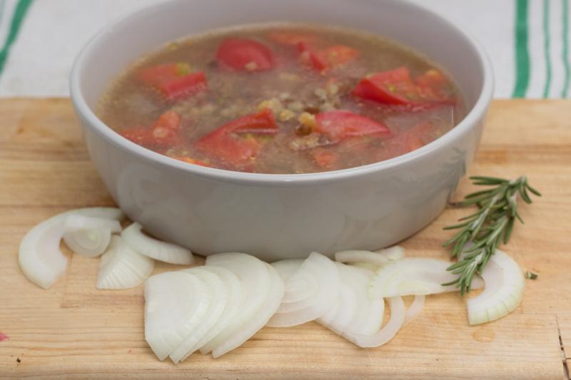 Суп с помидорами и чечевицей